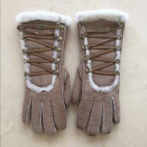 Women's UGG Gloves